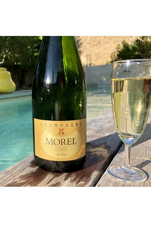 Champagne morel exquis swimming pool
